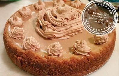Gâteau au fromage et crème fouettée au café - Auboutdelalangue.com