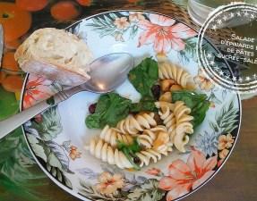 Salade d'épinards et de pâtes sucrée-salée - Auboutdelalangue.com