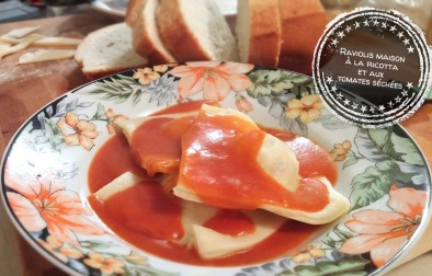 Raviolis maison à la ricotta et aux tomates séchées - Auboutdelalangue.com