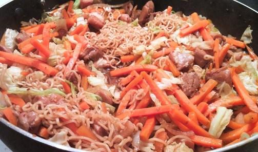 Chow mein au poulet dans un seul chaudron - Auboutdelalangue.com (11)