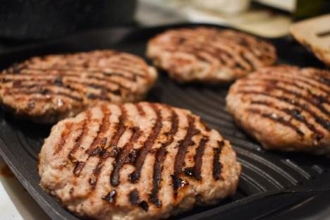 Burgers de porc aux pommes - Auboutdelalangue.com (3)