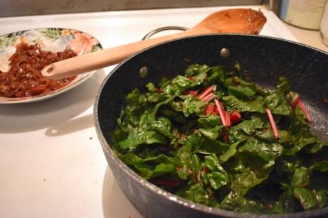 Bette à carde, garniture de bacon et d'échalotes caramélisés - Auboutdelalangue.com (9)