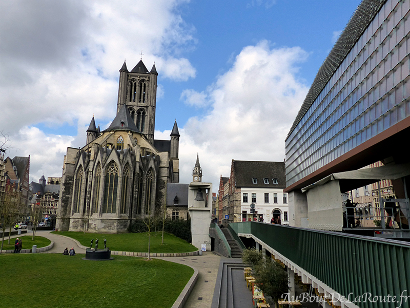 St Nicolas & la halle municipale