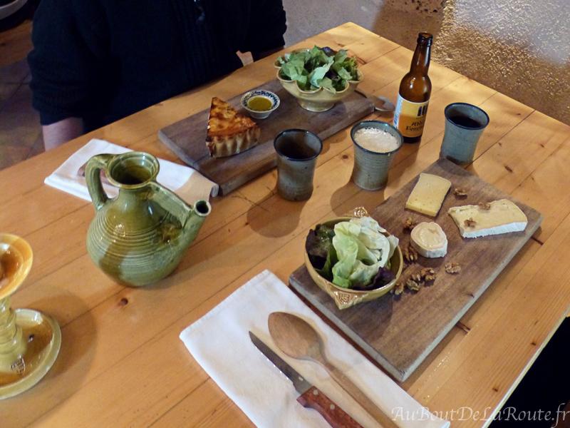 Dejeuner a la rotisserie medievale