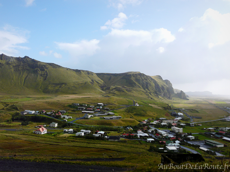 Vue sur Vik de Reynisfjall
