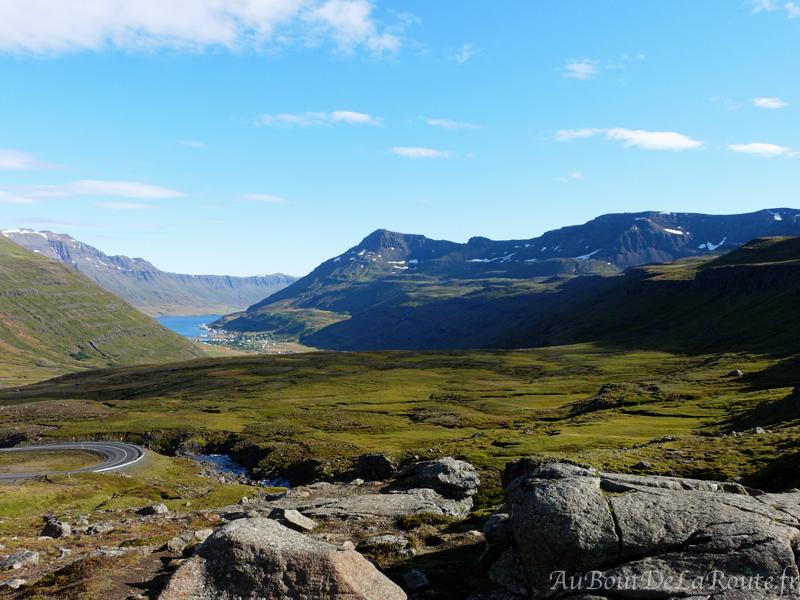 Vers le fjord Seyðisfjörður