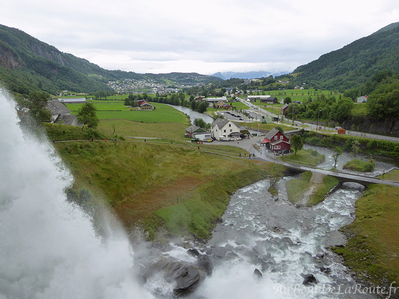 Vue depuis Steinsdalsfossen