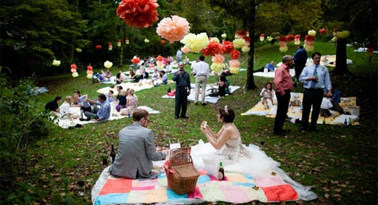 Picnic setting at a wedding reception