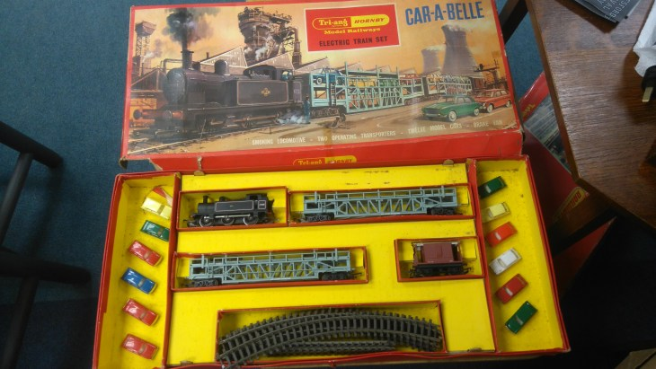 Tri-ang Hornby Model Railway - Car a Belle Train Set