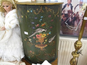 Lot 150 - Corner cupboard - Sold for £27