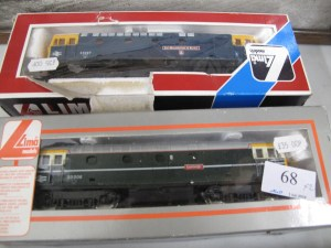 Lot 68 - 2 x Lima 00 Gauge Diesel Loco Class 33 - Sold for £40