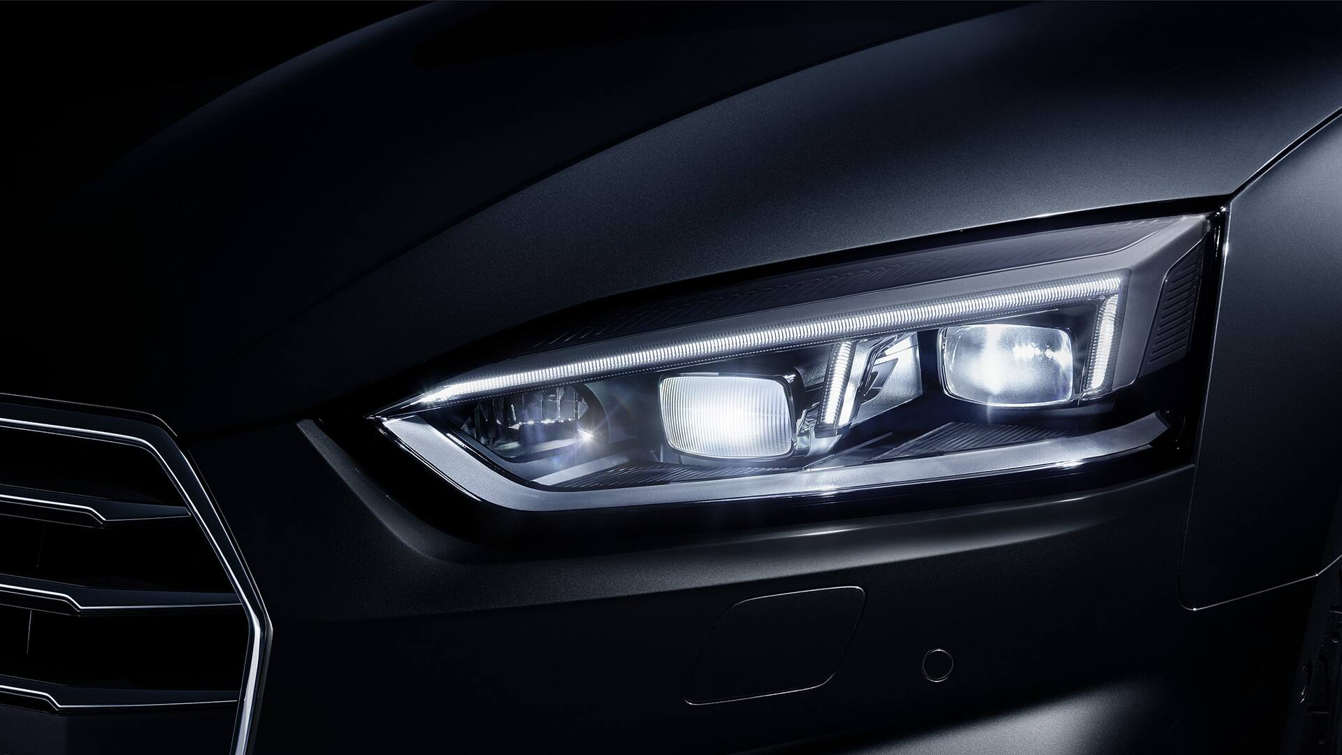 hight resolution of the optional audi matrix led headlights feature highly adaptive light distribution and an attractive design with high recognition value