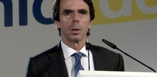 "Aznar in Economic Ideas Forum, Madrid, Spain"" by European People's Party Licensed under Creative Commons Attribution 2.0 via Wikimedia Commons"
