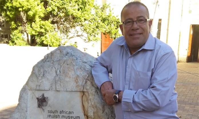 Bassem Eid ist Menschenrechtsaktivist, Politischer Analyst und Kommentator des israelisch-palästinensischen Konflikts.