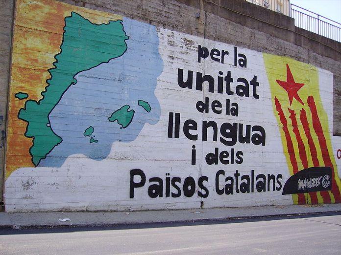 Ein Graffiti für die Unabhängigkeit Kataloniens. Foto 1997. CC BY-SA 3.0, Wikimedia Commons.