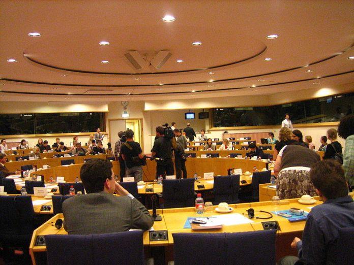 EU Parlament in Brüssel. Foto JLogan. CC BY-SA 3.0, Wikimedia Commons.