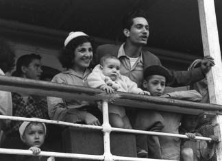 Neuankömmlinge aus Marokko im Hafen von Haifa am 24 September 1954. Foto Fritz Cohen / Goverment Press Office /PD
