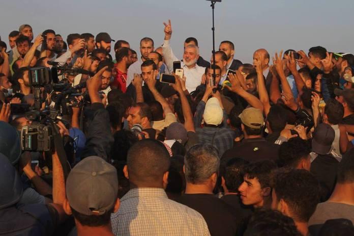 Der Leiter des politischen Büros der Hamas Ismail Haniyeh besucht die Grenze östlich von Gaza. Foto Twitter/Al Quds