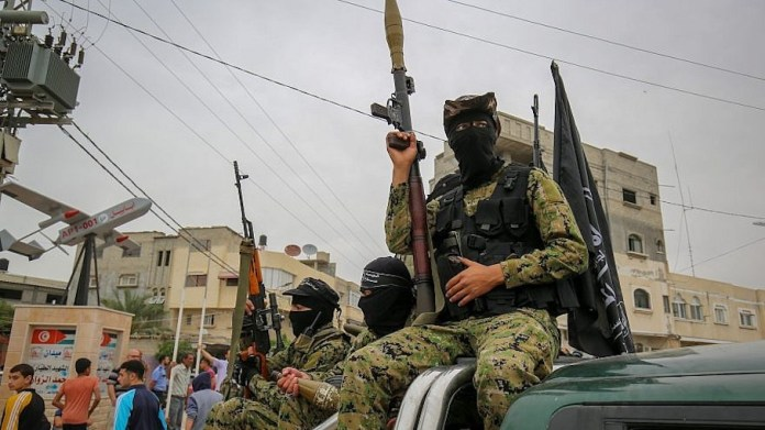 Mitglieder der Ezzedeen Al-Qassam Brigaden von Hamas im zentralen Gazastreifen am 6. Mai 2018. Foto Abed Rahim Khatib/Flash90