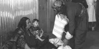 Jüdische Familie im Irak auf dem Weg nach Israel, 1951. Foto Teddy Brauner.