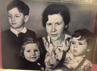 Meine Mutter, Grete Moschytz-Felstenstein mit Michael, Hannelore und George, Freiburg i.Brsg. Foto George Moschytz