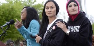 Tamika Mallory, Carmen Perez, und Linda Sarsour in Washington, D.C. Foto Stephen Melkisethian. https://www.flickr.com/photos/stephenmelkisethian/17029930767 (CC BY-NC-ND 2.0)