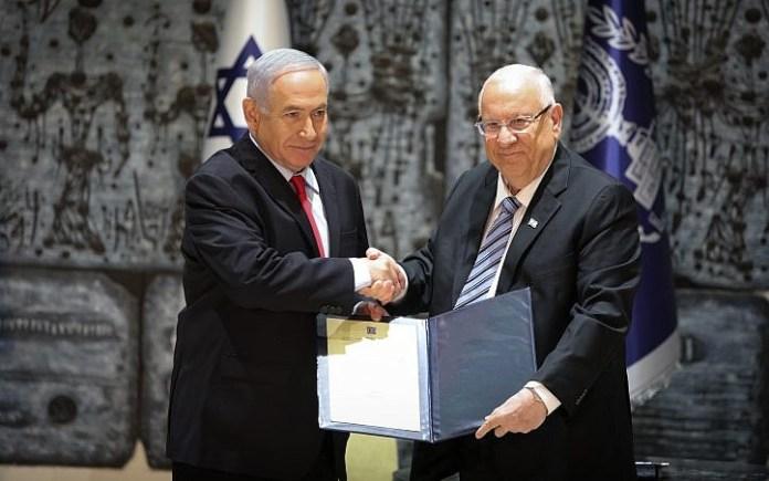 Israels Präsident Reuven Rivlin (rechts) und Premierminister Benjamin Netanyahu am 17. April 2019 in der Präsidentenresidenz in Jerusalem. Foto Noam Revkin Fenton/Flash90