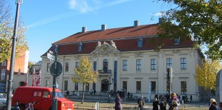 Jüdisches Museum Berlin. Foto Assenmacher, CC BY-SA 3.0, https://commons.wikimedia.org/w/index.php?curid=11859477