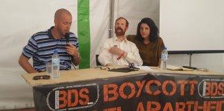 Grassroots Al-Quds Vertreterin Amany Khalifa, an einem Anlass von BDS Frankreich am 15. September 2019. Links aussen spricht Salah Hamouri, der 2005 unter anderem verurteilt wurde wegen Mitgliedschaft bei der Terrororganisation Volksfront für die Befreiung Palästinas (PFLP). Foto Facebook / BDS Frankreich