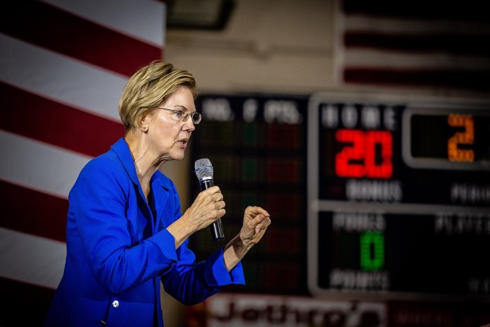 Elizabeth Warren. Foto Phil Roeder from Des Moines, IA, USA, CC BY 2.0, https://commons.wikimedia.org/w/index.php?curid=83270623