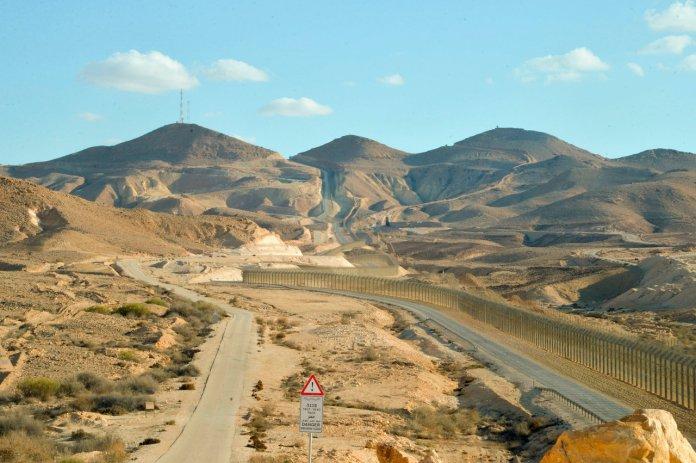 Blick auf das Grenzgebiet zwischen Israel und der ägyptischen Sinai-Halbinsel. Foto Yossi Zeliger/Flash90