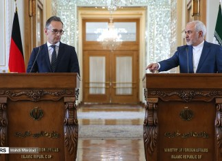 Bei einem Besuch in Teheran traf der deutsche Bundesaussenminister Heiko Maas den iranischen Aussenmisnister Mohammad Javad Zarif. Foto Fars News Agency, CC BY 4.0, https://commons.wikimedia.org/w/index.php?curid=79672307