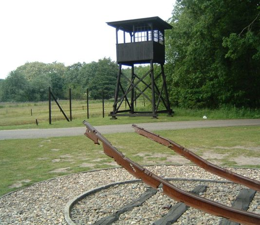 Il lager di Westerbork, in Olanda. Foto Blacknight, Public Domain, https://commons.wikimedia.org/w/index.php?curid=865654