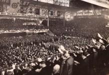 15 000 Menschen haben sich am 10. April 1938 in Buenos Aires bei einer Kundgebung zur Unterstützung Hitlers versammelt. Foto Delegación de Asociaciones Israelitas Argentinas DAIA