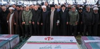 Beerdigung von Qasem Soleimani. Foto khamenei.ir - http://farsi.khamenei.ir/photo-album?id=44606#i, CC-BY 4.0, https://commons.wikimedia.org/w/index.php?curid=85664538
