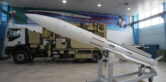 Iranische Sayyad-2-SD2M Boden-Luft-Rakete. Foto DEFANEWS - http://www.defanews.ir, CC BY 4.0, https://commons.wikimedia.org/w/index.php?curid=81660633