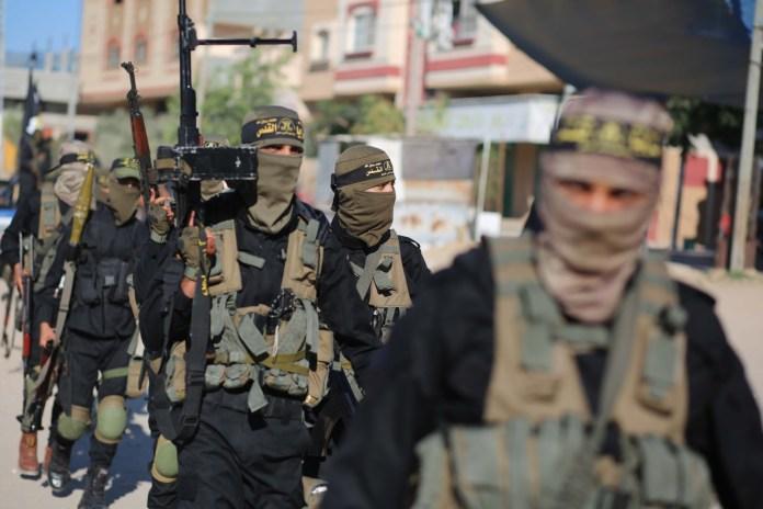 Bewaffnete Mitglieder der Al-Quds-Brigaden vom
