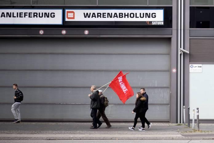 Symbolbild. Demonstranten der Partei Die Linke. Foto imago images / IPON
