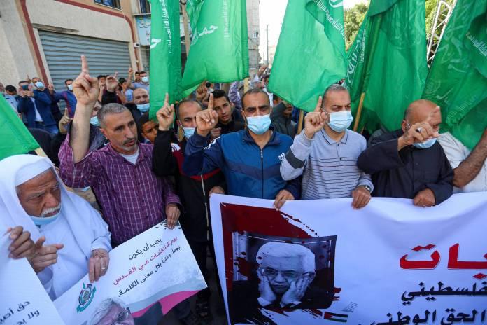 Vertreter der Hamas demonstrieren gegen die Verschiebung der palästinensischen Parlaments- und Präsidentschaftswahlen in Dair Al Balah im Zentrum des Gazastreifens am 30. April 2021. Foto IMAGO / ZUMA Wire