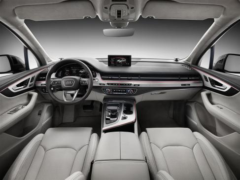 q7 interior