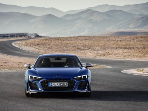 resized_Audi R8 2019_04