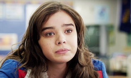 The Edge of Seventeen Navigates the Awkwardness of High School