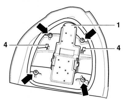Снятие и установка заднего фонаря (Ауди А3 Typ 8L, 1996