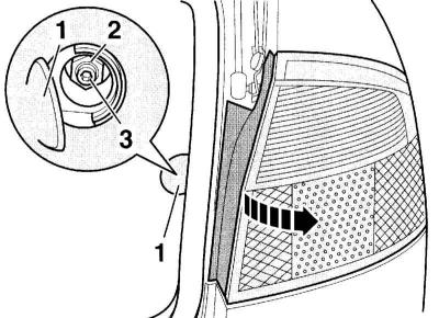 Снятие и установка заднего фонаря (Ауди А4 Б6, 2000-2006