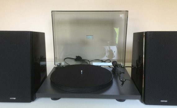 Pro-Ject Primary with Edifier R2000DB Speakers