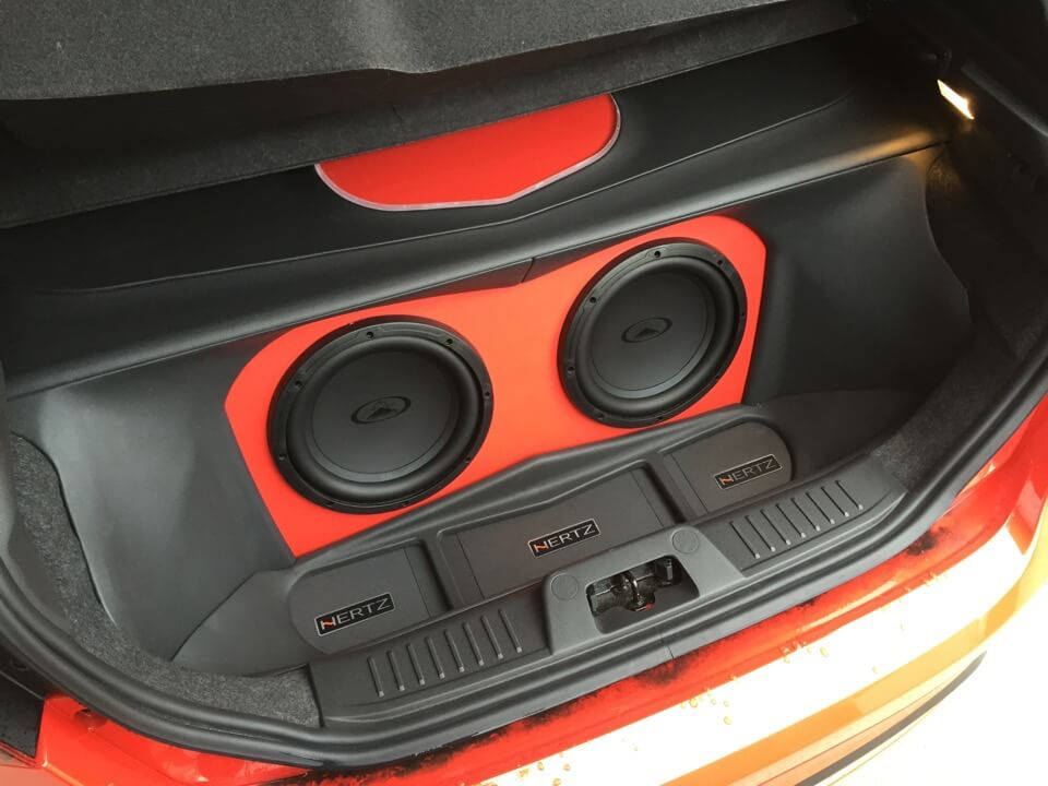 ford fiesta audio upgrade matches sound with performance. Black Bedroom Furniture Sets. Home Design Ideas
