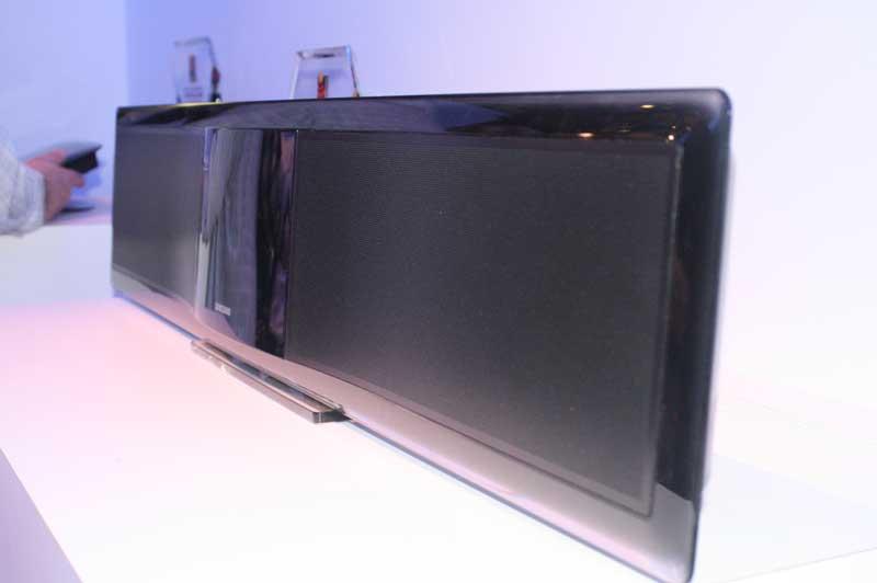 Samsung HT BD8200 Sound Bar With Blu Ray Amp Netflix