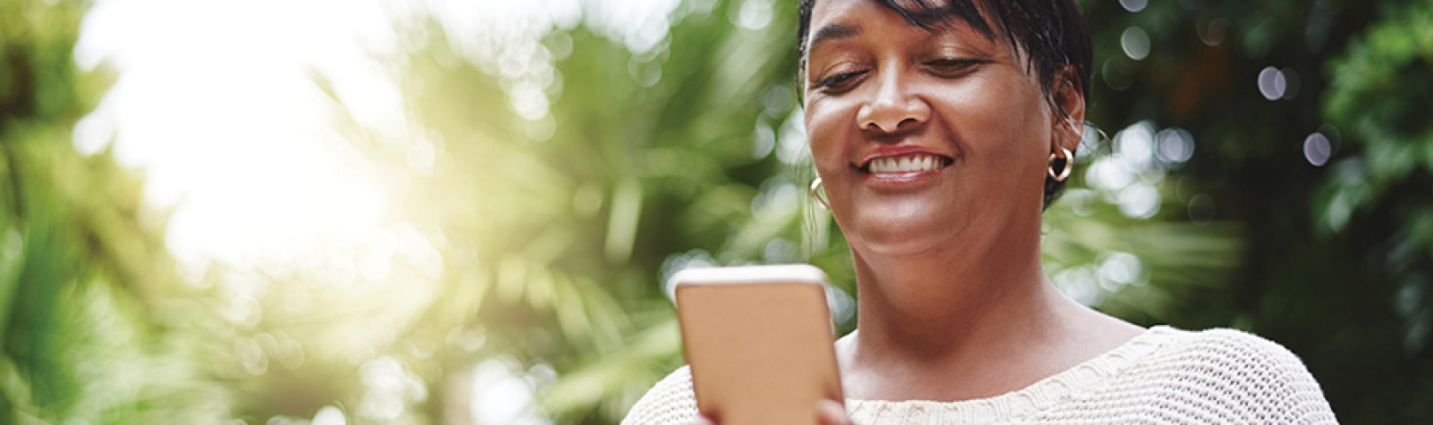 Mobile apps can enhance your hearing health. Slug: turn-up-your-hearing-with-5-apps