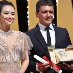 Banderas, Laxe y Serra, premiados en Cannes 2019, Almodóvar tendrá que seguir esperando su Palma de Oro