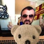 Raimundo Hollywood felicita a Ringo Starr en su propia casa
